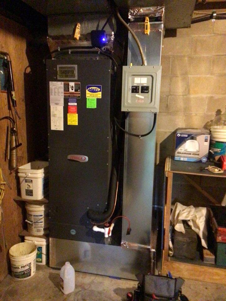 Rosedale, MD - Preventive maintenance on a Lennox heat pump