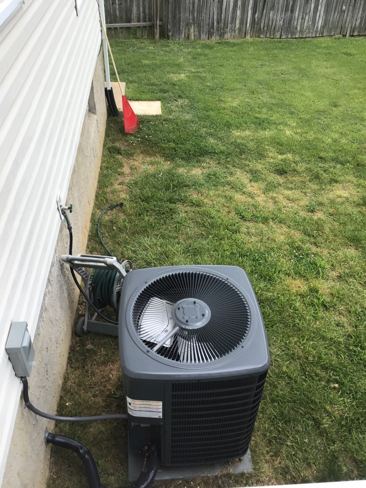 Abingdon, MD - Preventive maintenance on a Goodman Heat pump