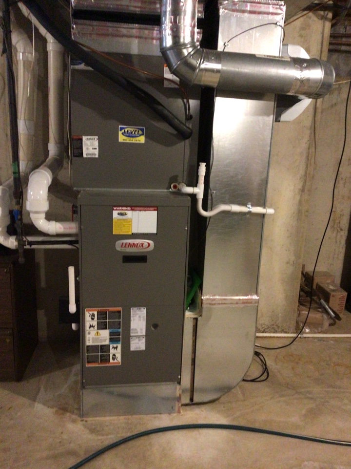 Jarrettsville, MD - Preventive maintenance on a Lennox ac