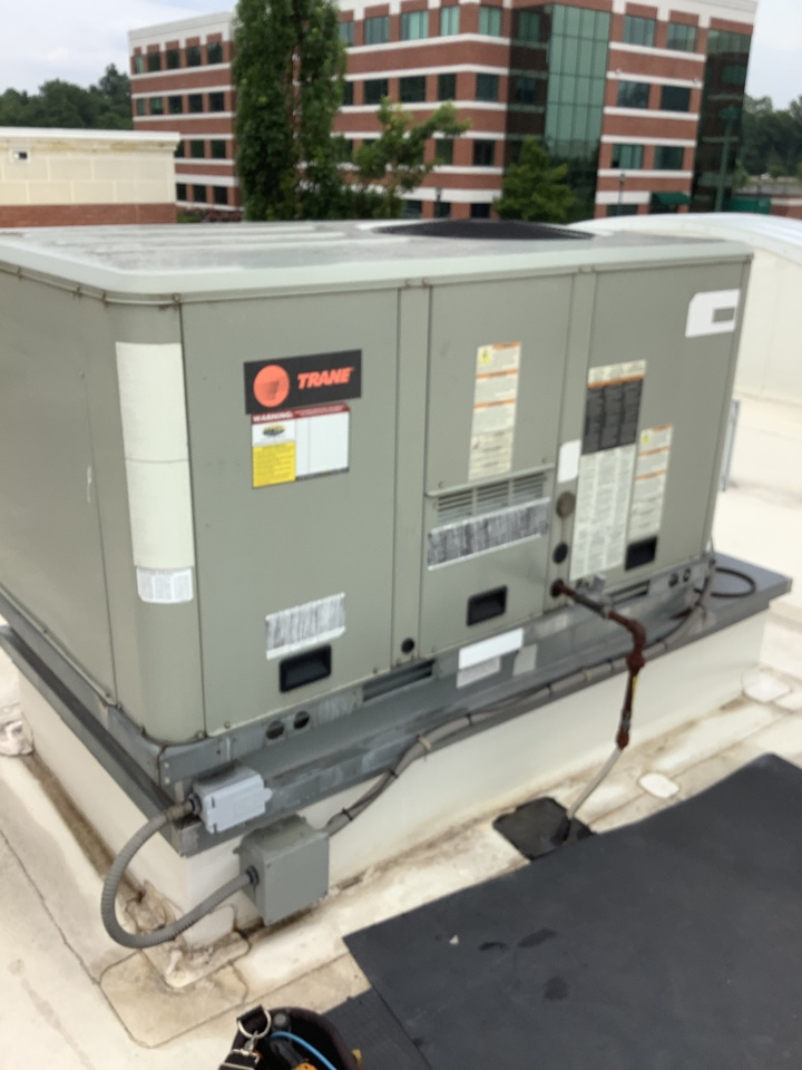 Belcamp, MD - Service a trane rooftop unit. Fix a rooftop air conditioner system
