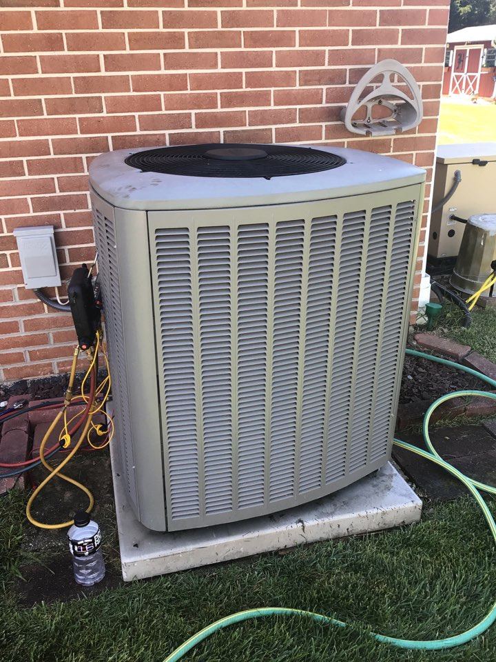 Aberdeen, MD - Prevent Maintenance on a 11 64 old ac