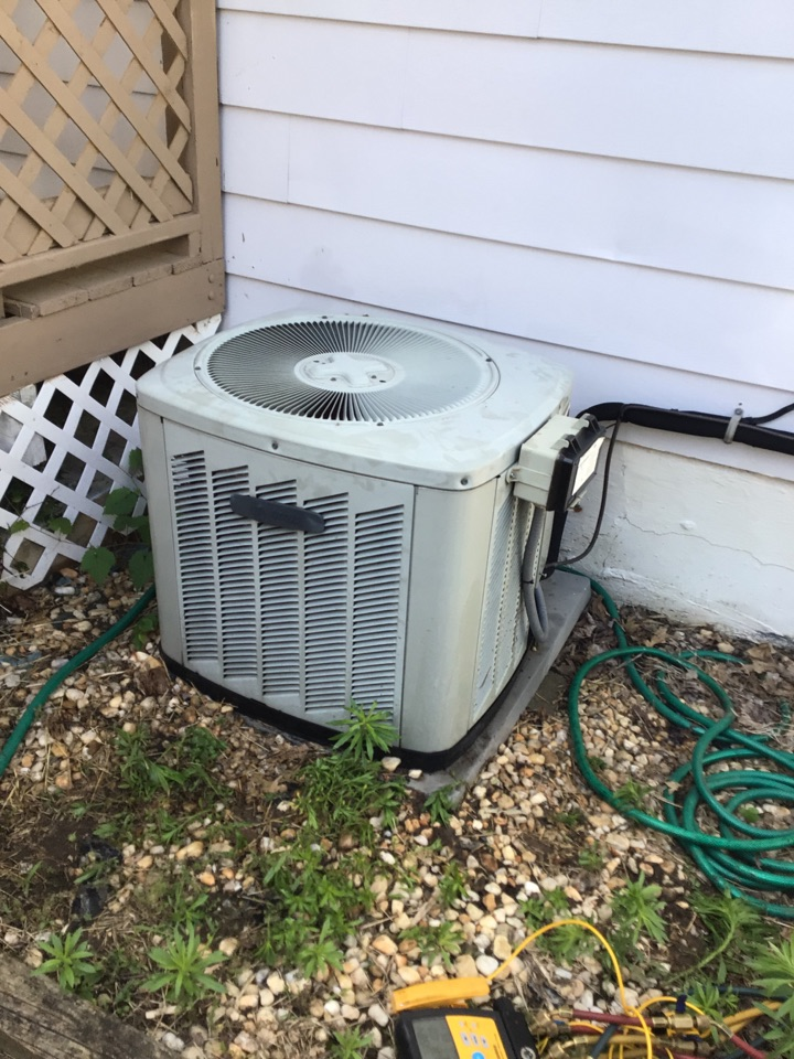 Aberdeen, MD - Preventive maintenance on a trane air conditioner