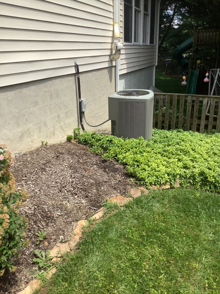 Bel Air, MD - Service a Lennox air conditioner system. Fix an ac system