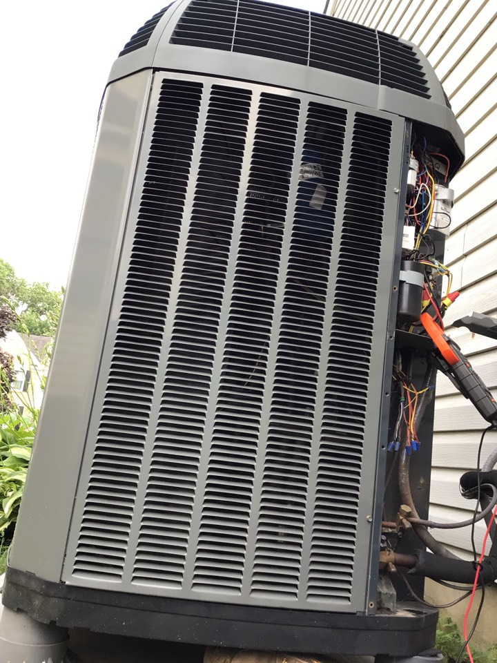 Bel Air, MD - Preventive maintenance on a trane air conditioner