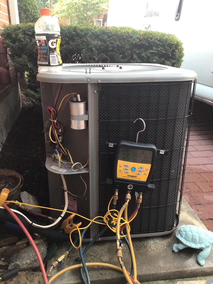 Baltimore, MD - Preventive maintenance on a 12 yr old ac