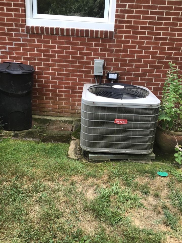 Aberdeen, MD - Preventive maintenance on a Bryant air conditioner