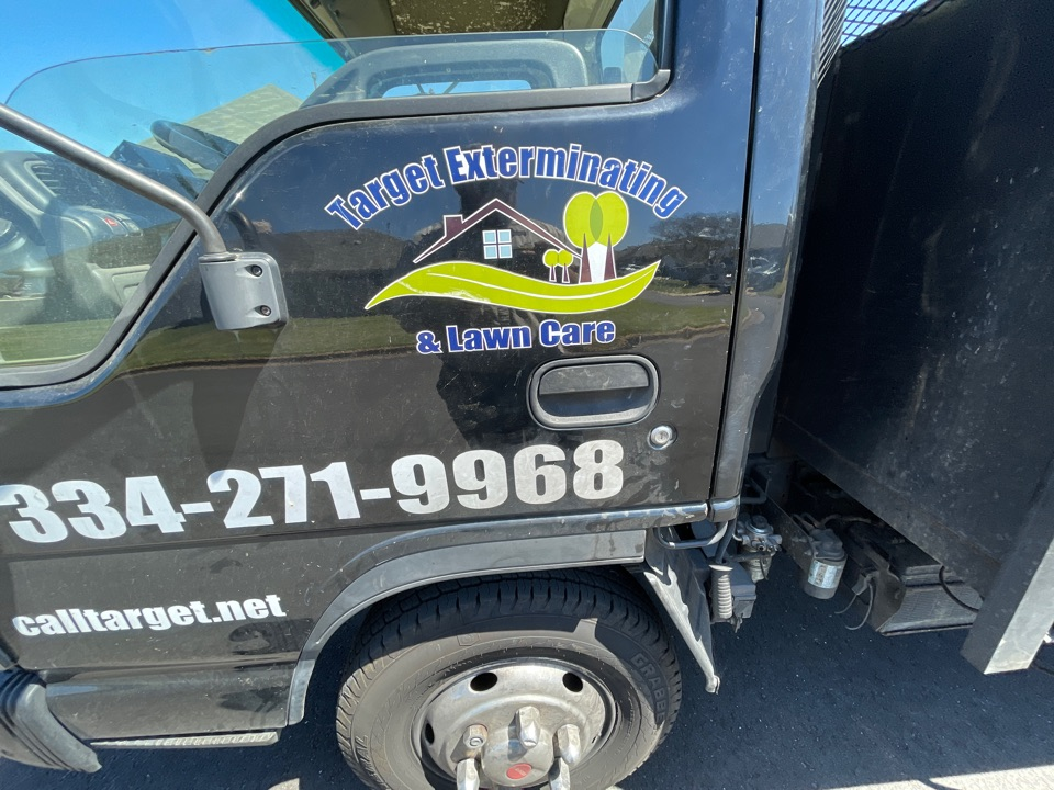 Deatsville, AL - Target Exterminating and Lawn Care. Weed Control and Fertilization company. Millbrook Alabama. Deatsville Alabama lawn care weed control