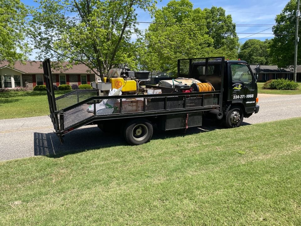 Prattville, AL - Target Exterminating and Lawn Care. Prattville Alabama weed Control and Fertilization company. Fertilizating in Autauga, prattville