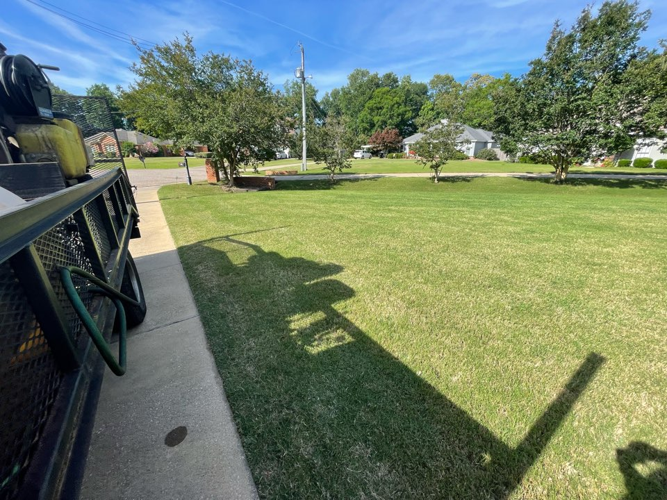 Wetumpka, AL - Target Exterminating and Lawn Care. Wetumpka, Alabama weed Control and Fertilization company