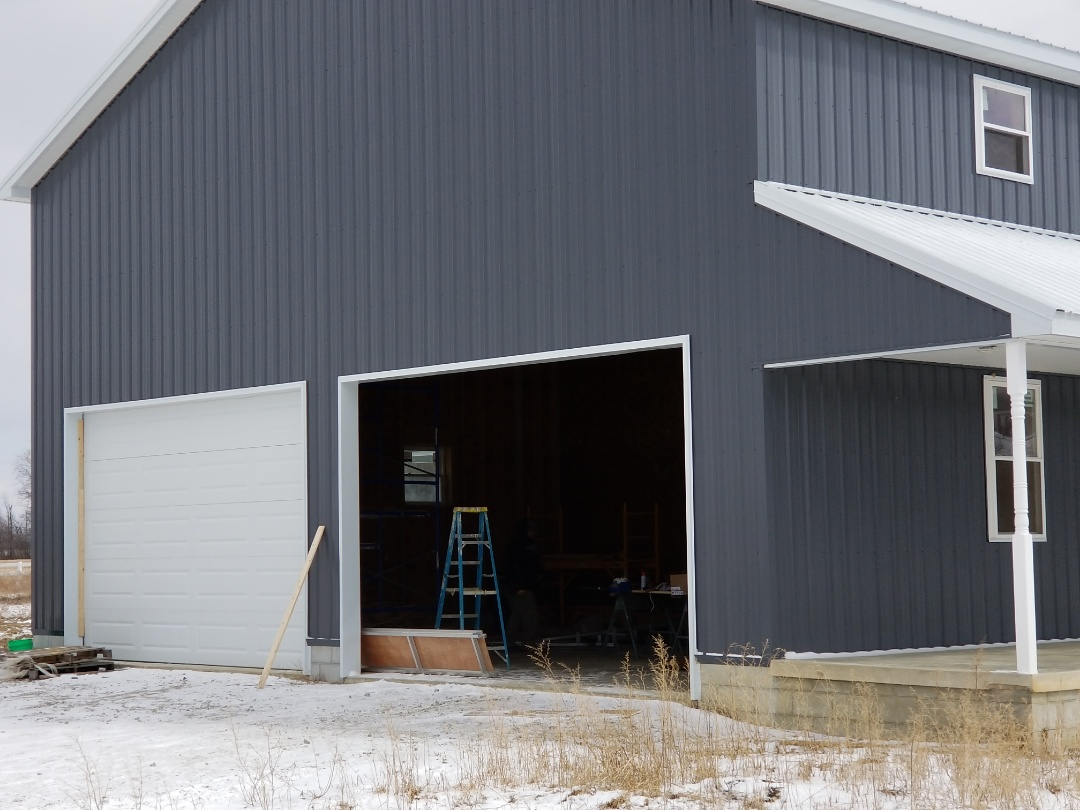 Findlay, OH - New CHI garage doors being installed in Findlay.