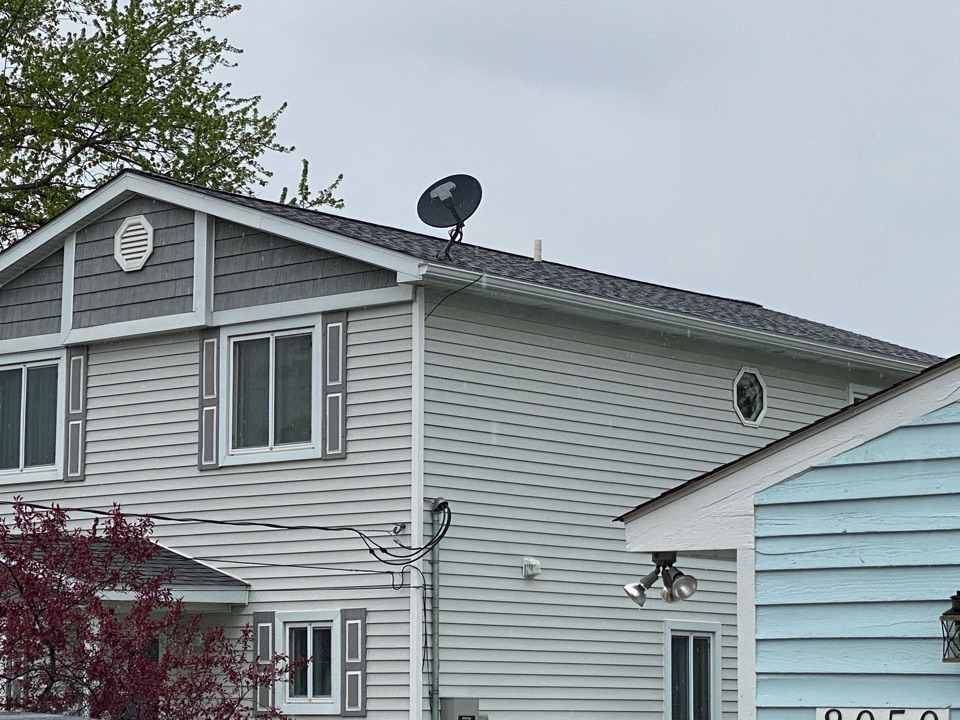 White Lake charter Township, MI - Completed the Certainteed landmark pro pewter gray roof before the rain. Near lake lot, so only could get far view from ground.  Another satisfied homeowner!
