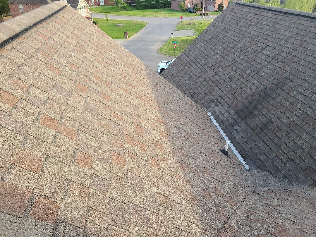 Lebanon, TN - Looking at another roof from hail damage in the plantation neighborhood in Lebanon!