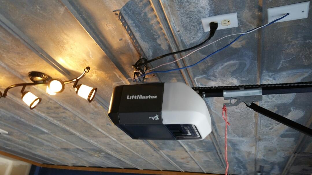 Georgetown, TX - Installed a new liftmaster 8160 garage door opener in georgetown.
