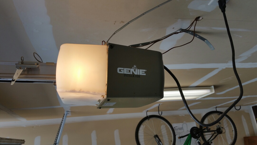Round Rock, TX - Replaced an old genie garage door opener with a new marantec synergy 260.