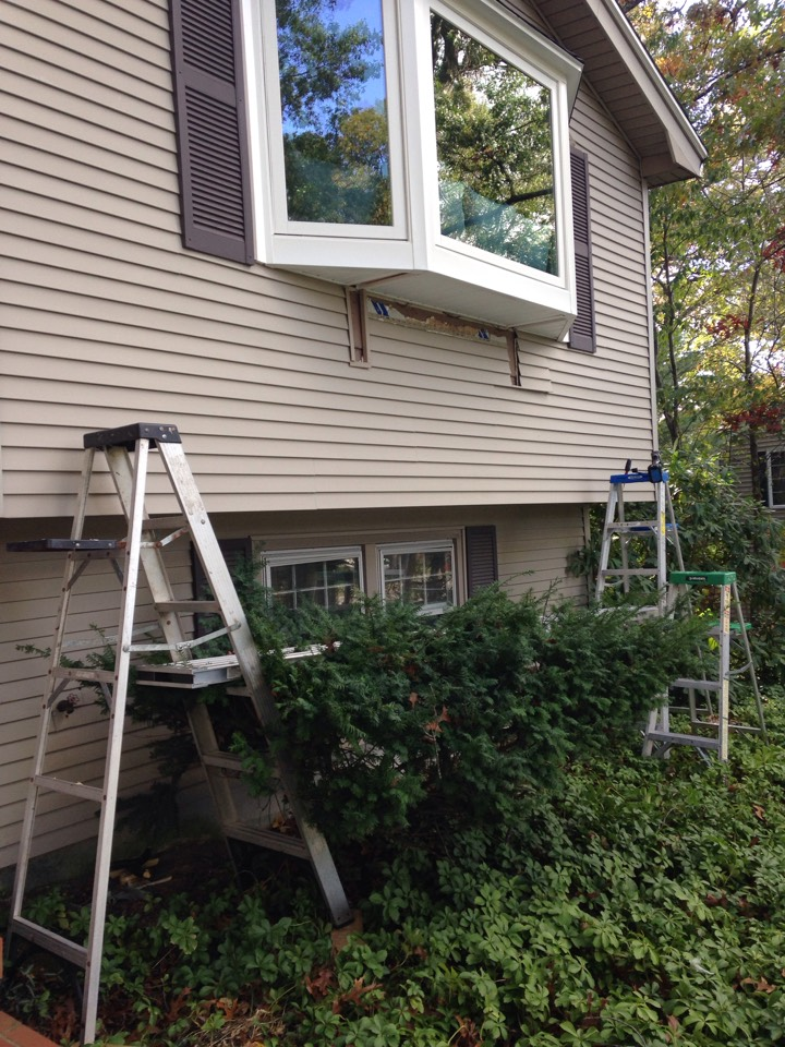 Shrewsbury, MA - Renewal by Andersen Boston replacing siding