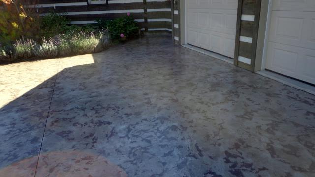 Orlando, FL - Give your driveway a decorative look with Tuscan Slate! Hand-crafted to guarantee uniqueness every time. Beautify your concrete today with our help!