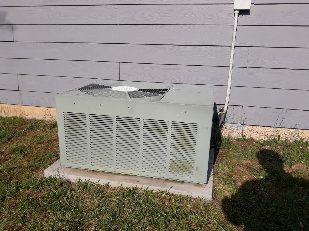Smiths Station, AL - Rheem air condition repair.  Replace fan motor.
