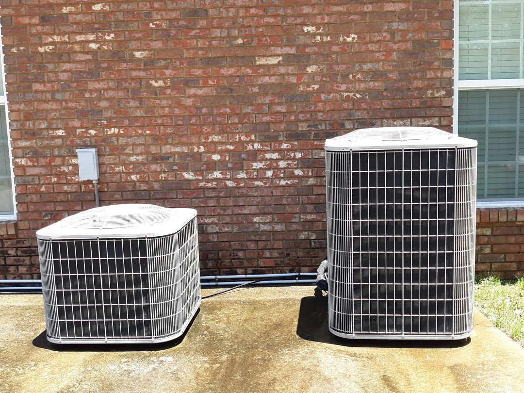 Smiths Station, AL - Air repair Rocky Ridge subdivision in Smiths Station. Carrier air conditioner now cooling.
