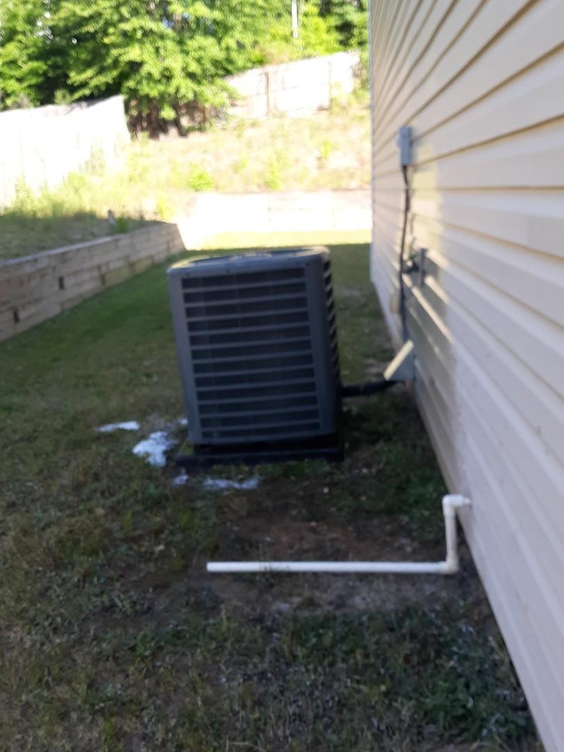 Phenix City, AL - Hone inspection found ac not cooling.  Refrigerant leak repair. Clean air conditioner.  Maintenance tune up.