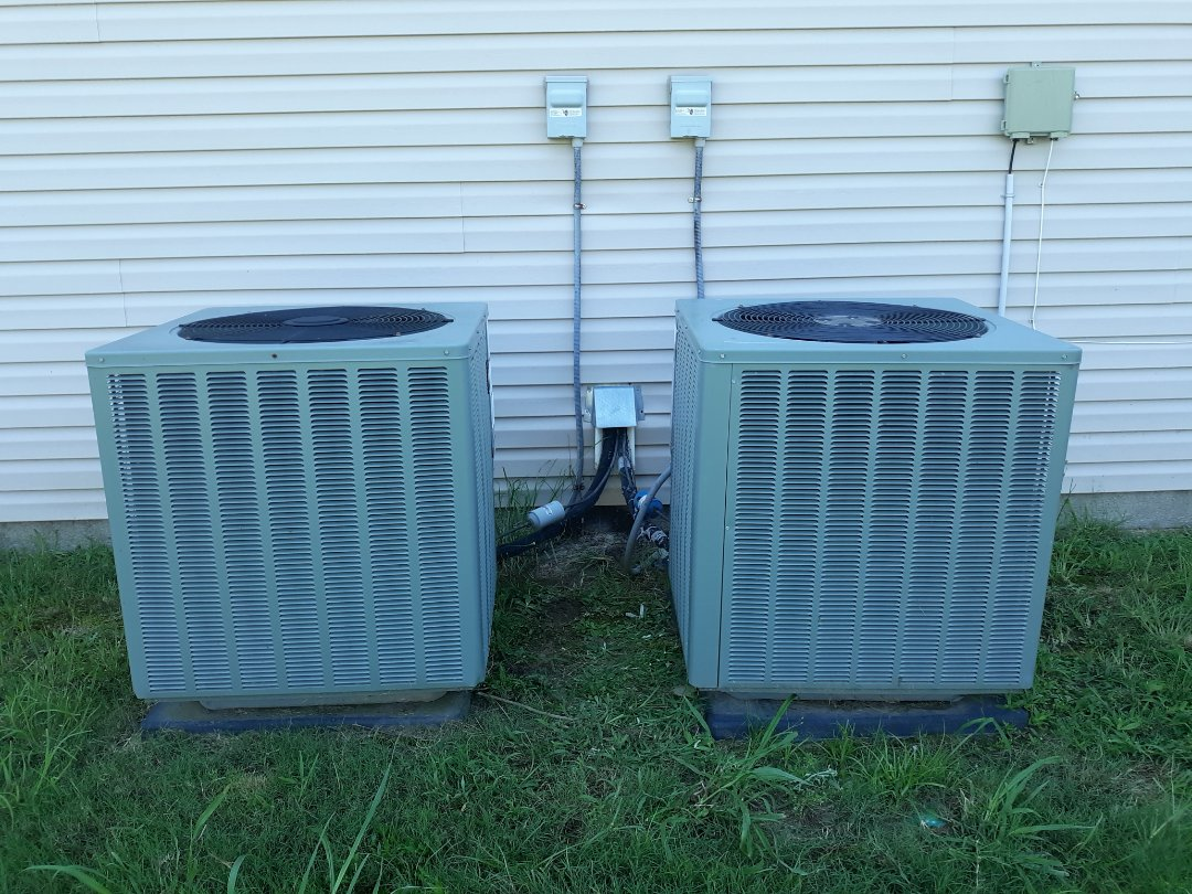 Fort Mitchell, AL - Downstairs ac not cooling.  Rheem air conditioner repair.  Hvac service.  R410 refrigerant and replace capacitor