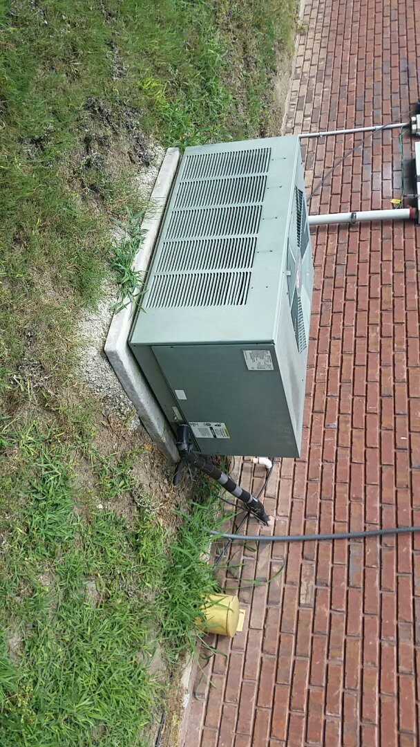 Smiths Station, AL - Rheem air conditioner now cooling.  Cool and comfortable in smiths station.