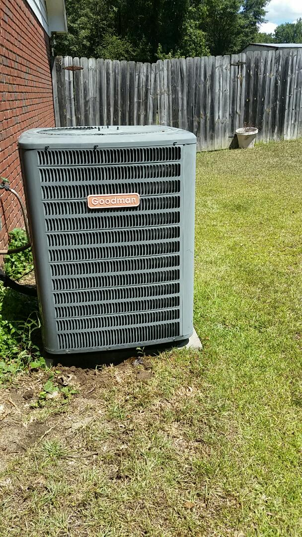 Smiths Station, AL - Goodman air conditioner repair.  Repair freon refrigerant coolant leak.  Maintenance and tune up. Extended warranty.