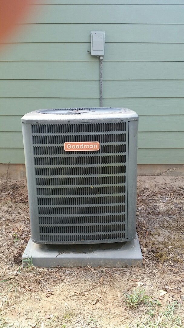 Smiths Station, AL - Goodman AC repair. Refrigerant freon leak repair.