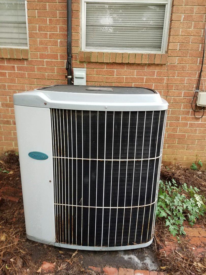 Columbus, GA - Carrier air conditioner repair.  Unit freezing up.  Tune up and seasonal maintenance.