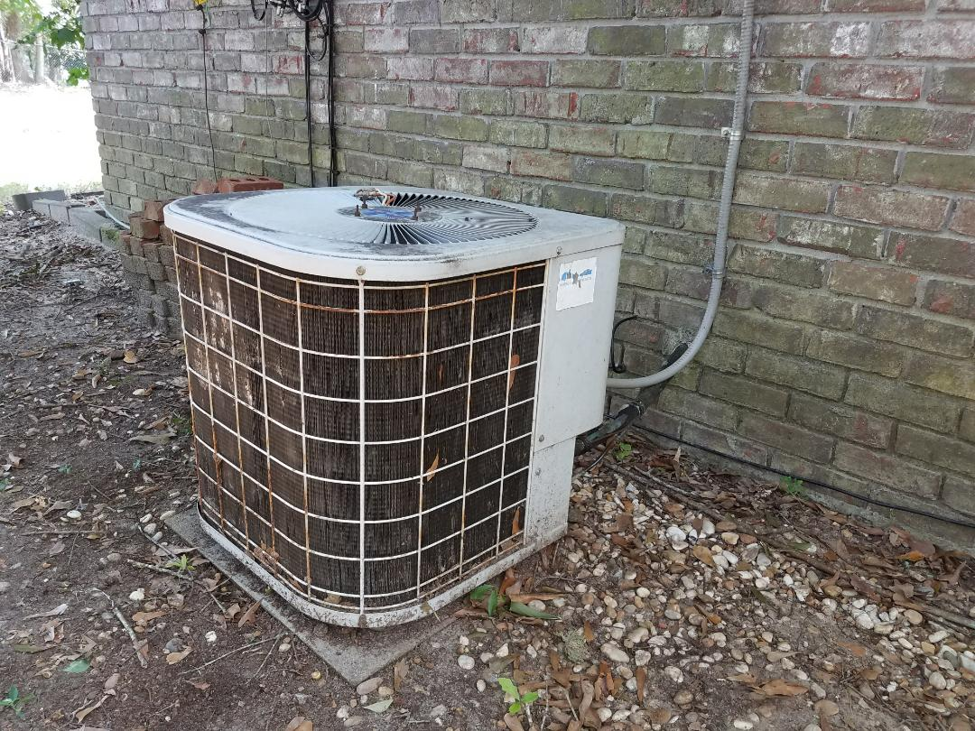 Smiths Station, AL - Service Call Heil air condition. Air repair.