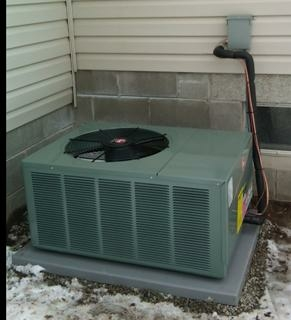 Phenix City, AL - Service call for Rheem heat pump and ac system.  Maintenace and over flow drain clean