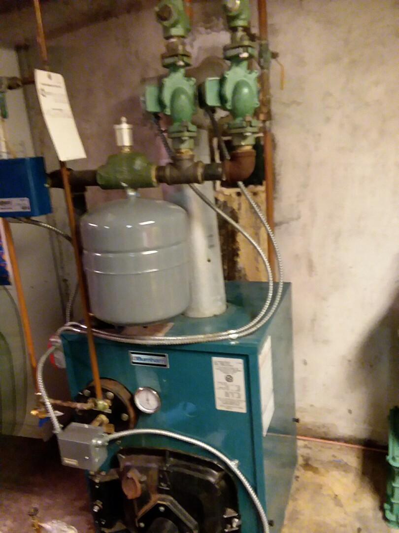 Plainview, NY - Circulator was making noise, had to get air out of zone and free up a stuck feed valve.