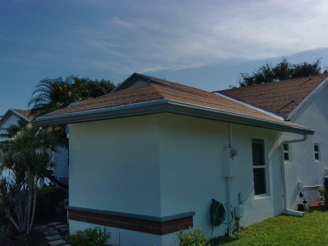 Lake Worth, FL - Arrived on site setting up and preparing to begin peel & stick.