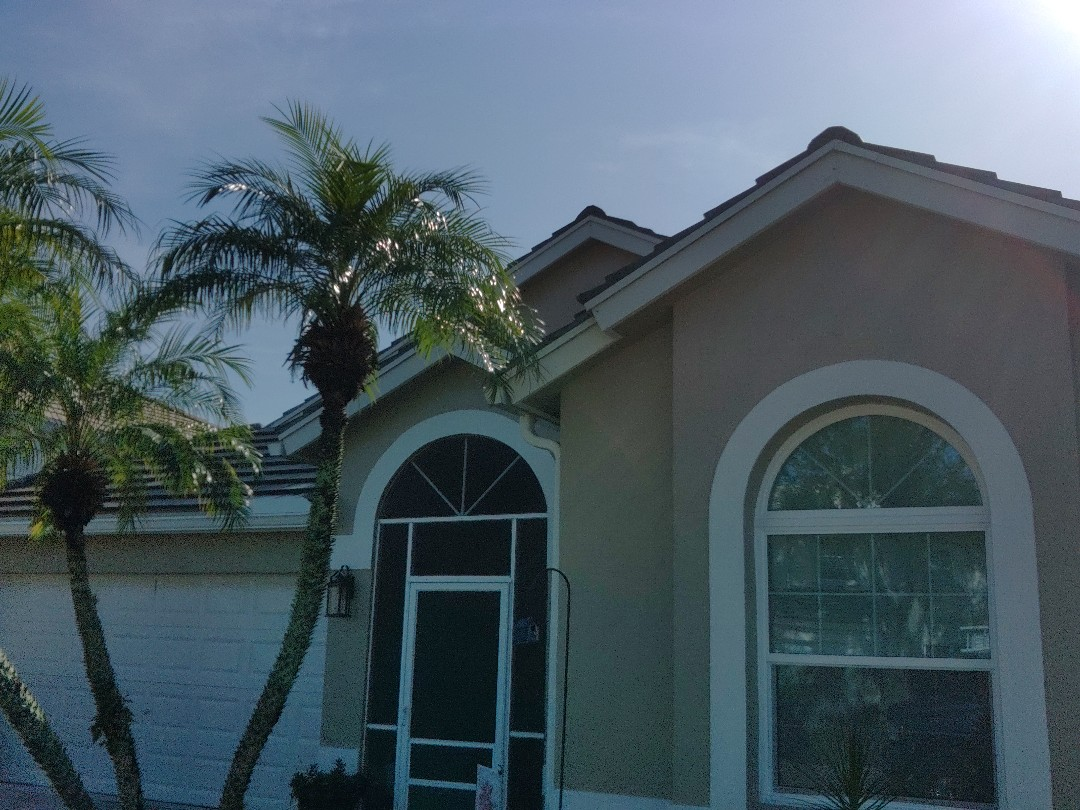 Lake Worth, FL - Arrived on site, setting up and preparing to pull tile in an attempt to find cause of leak.