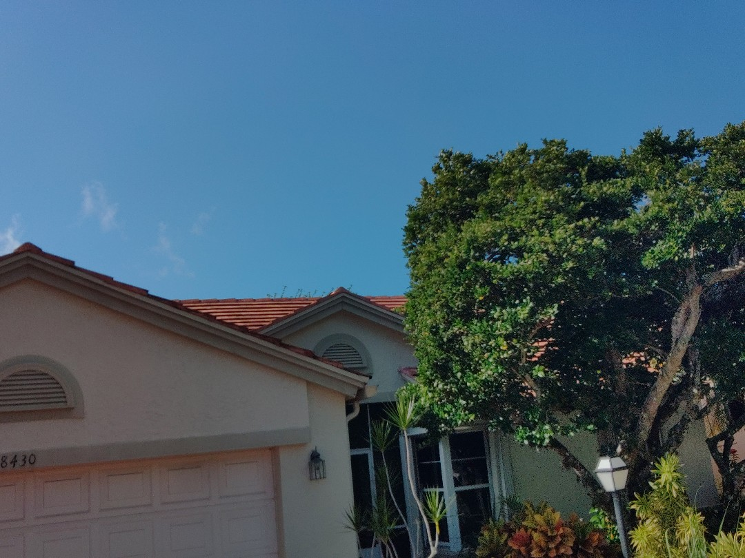 Lake Worth, FL - Arrived on site, setting up and preparing to begin tear off.