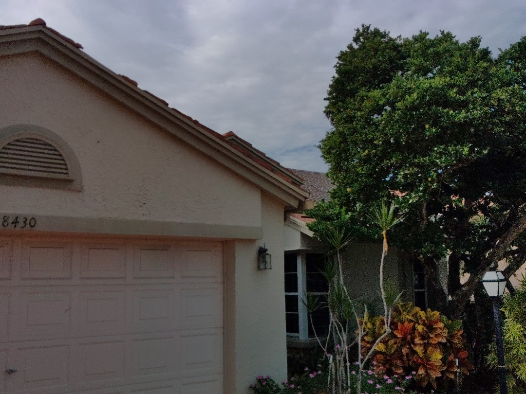 Lake Worth, FL - Arrived on site, setting up and preparing to continue tear off.