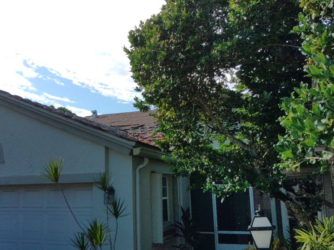 Lake Worth, FL - Arrived on site. Setting up and preparing to complete tear off and dry-in.