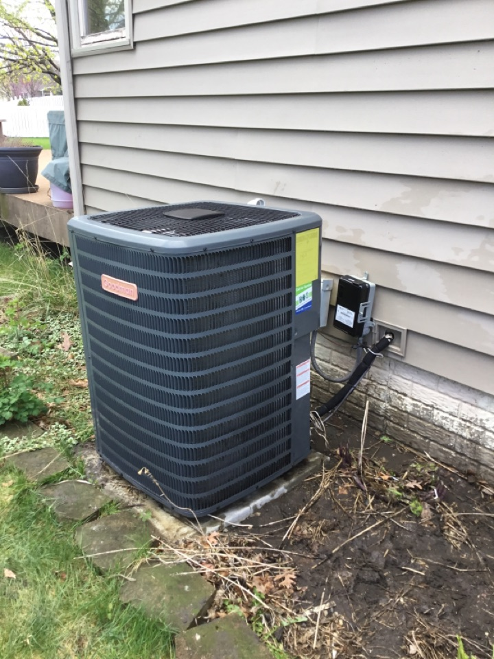 Altoona, IA - Goodman air conditioner spring maintenance repair