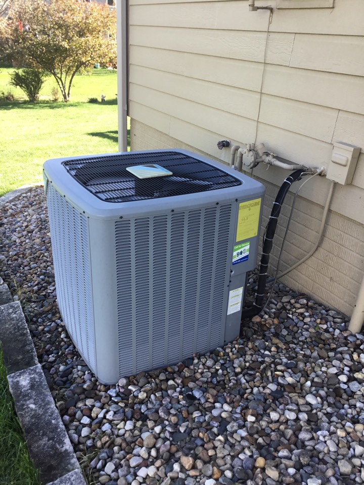 Altoona, IA - Daikin air conditioner maintenance repair