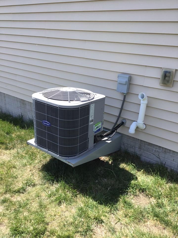 Bondurant, IA - Carrier air conditioner repair
