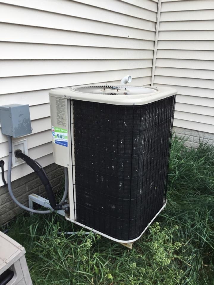 Bondurant, IA - Lennox air conditioner spring maintenance no repair