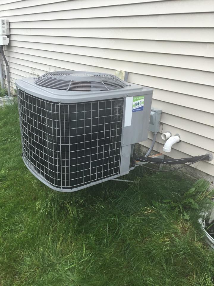 Altoona, IA - Tempstar air conditioner maintenance repair