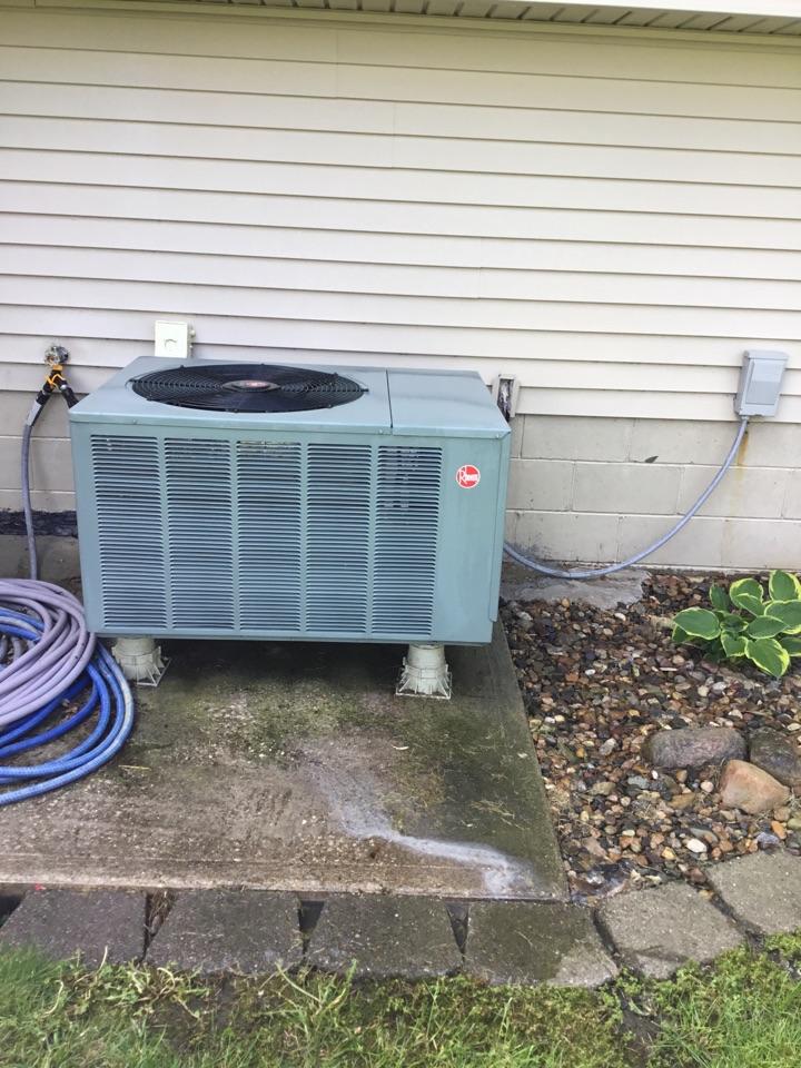 Bondurant, IA - Rheem heat pump maintenance no repair