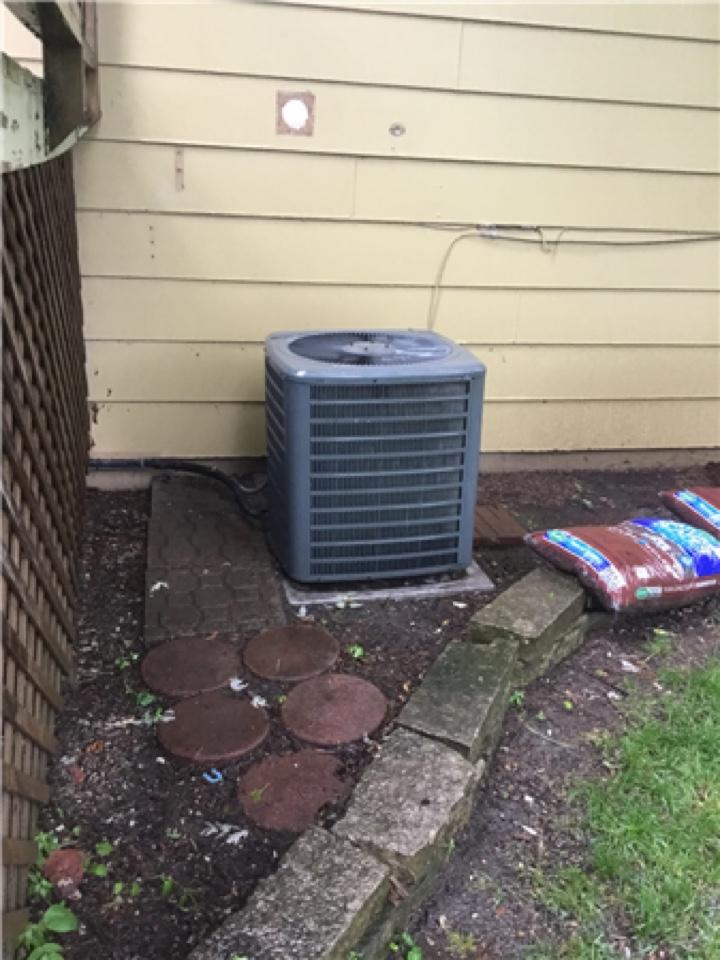 Altoona, IA - Goodman air conditioner maintenance no repair