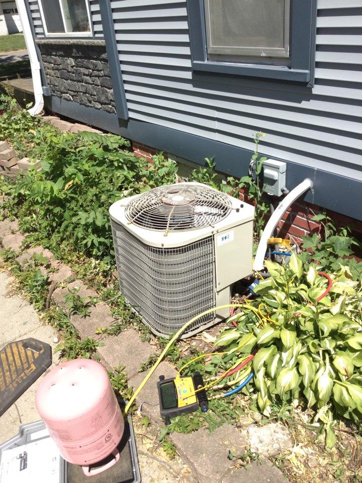 Newton, IA - Payne air conditioner repair
