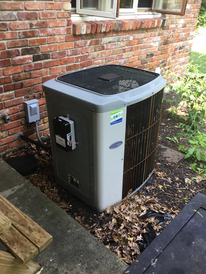 Newton, IA - Carrier air conditioner maintenance no repair