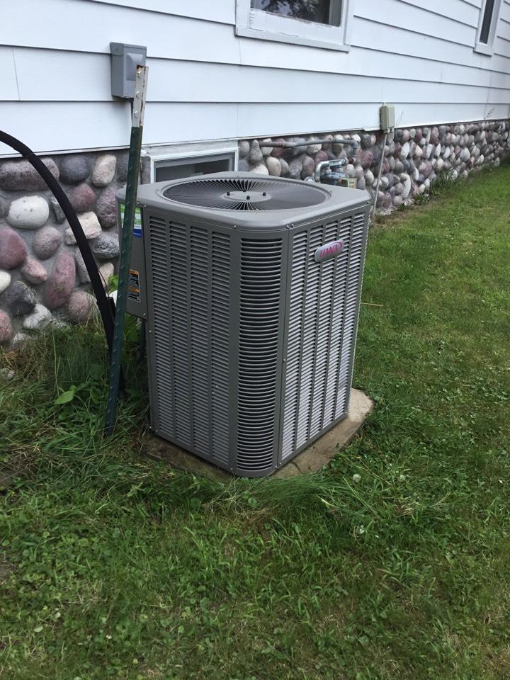 Bondurant, IA - Lennox air conditioner maintenance no repair