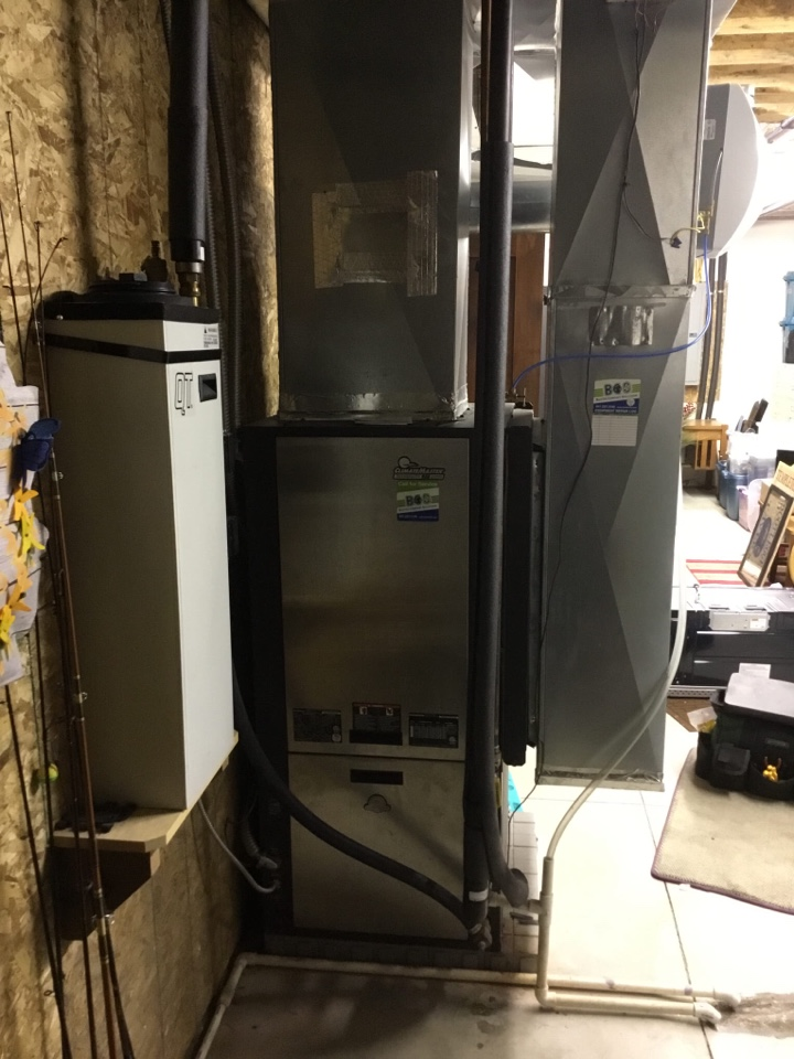 Ankeny, IA - ClimateMaster geothermal heat pump maintenance no repair