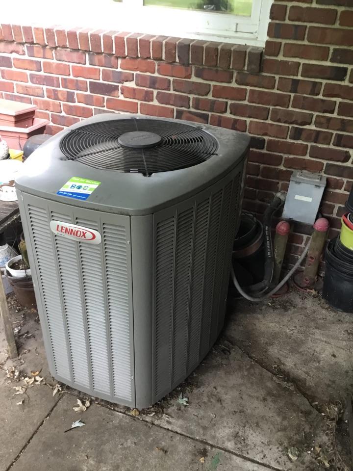 Marshalltown, IA - Lennox air conditioner maintenance no repair