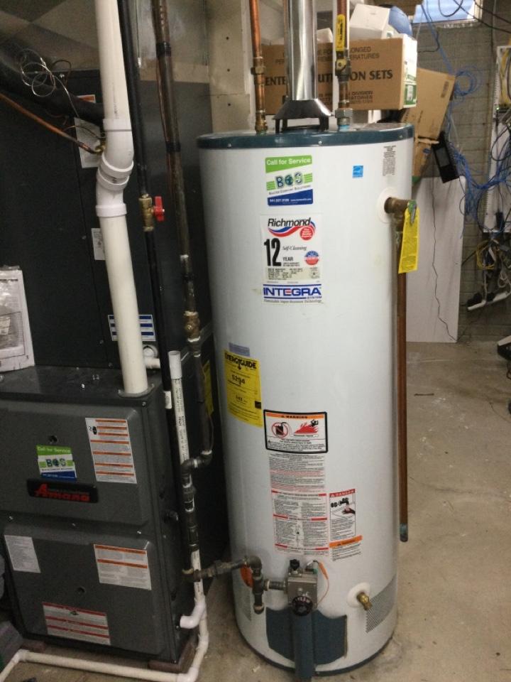 Bondurant, IA - Richmond water heater repair
