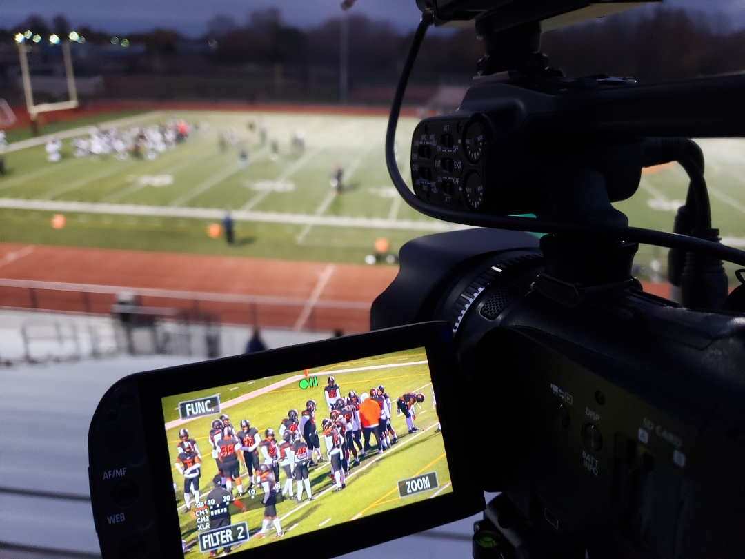 Belleville, MI - Streaming live tonight, looking to see a state record for TD passes st www.twitch.com/detroitfreepress with announcers Alex and Aaron Johnson!